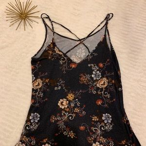 American Eagle Soft & Sexy Floral Tank Gray Large